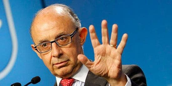La amnistía fiscal de Montoro, los millones y la caradura de Bárcenas