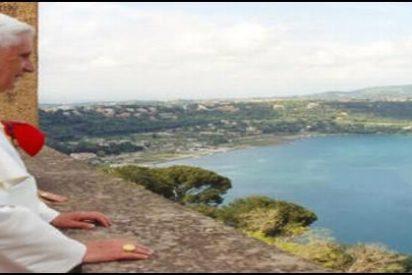 Castel Gandolfo recibirá con antorchas al Papa en su último viaje