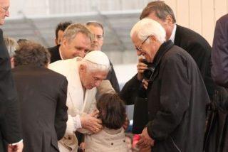 """Padre Ángel: """"La renuncia del Papa es un gesto de valentía"""""""