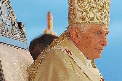 La renuncia del Papa vista por los medios: incredulidad, juicios rápidos y sosegados análisis nocturnos