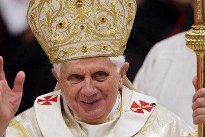 El Papa Benedicto XVI renuncia a su cargo y abandonará este 28 de febrero