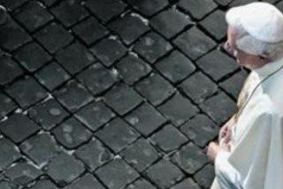 """El Papa denuncia """"el sufrimiento y la corrupción"""" a la salida de los ejercicios espirituales"""