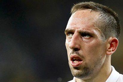 Un caradura se cuela en el vestuario del Bayern y casi acaba a golpes con Ribery