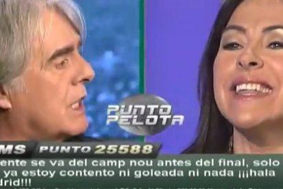 """Siro López exhibe una bufanda de José Mourinho y Carme Barceló pierde los papeles: """"¿Es esto periodismo, señores?"""""""