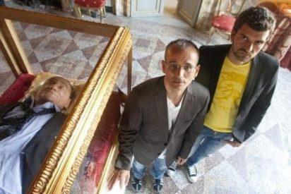 Estrenan en Roma una exposición crítica con la Iglesia antes del cónclave
