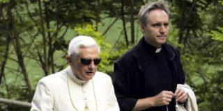 El Prefecto, puente entre pontífices