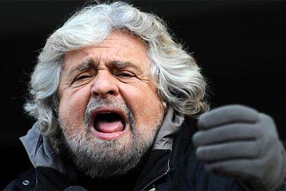 """Grillo tacha a Berlusconi y a Monti de """"padres puteros de la política"""" y les pide que """"dejen de dar por el culo"""""""
