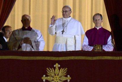 El arzobispo de Buenos Aires, de 76 años, es el primer papa no europeo