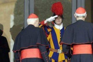 """Sodano da vía libre a los cardenales para informarse sobre el """"Vatileaks"""""""