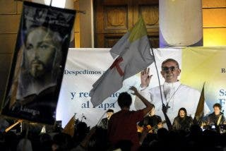"""Bergoglio a los argentinos: """"No se olviden de este obispo que está lejos y los quiere mucho"""""""