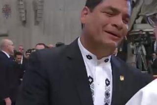 Correa, emocionado frente al Papa