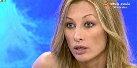 """Mónica Pont, acorralada y desenmascarada por J.J.Vázquez en el 'Deluxe': """"Mete-mierda, trepa, cuentista"""""""