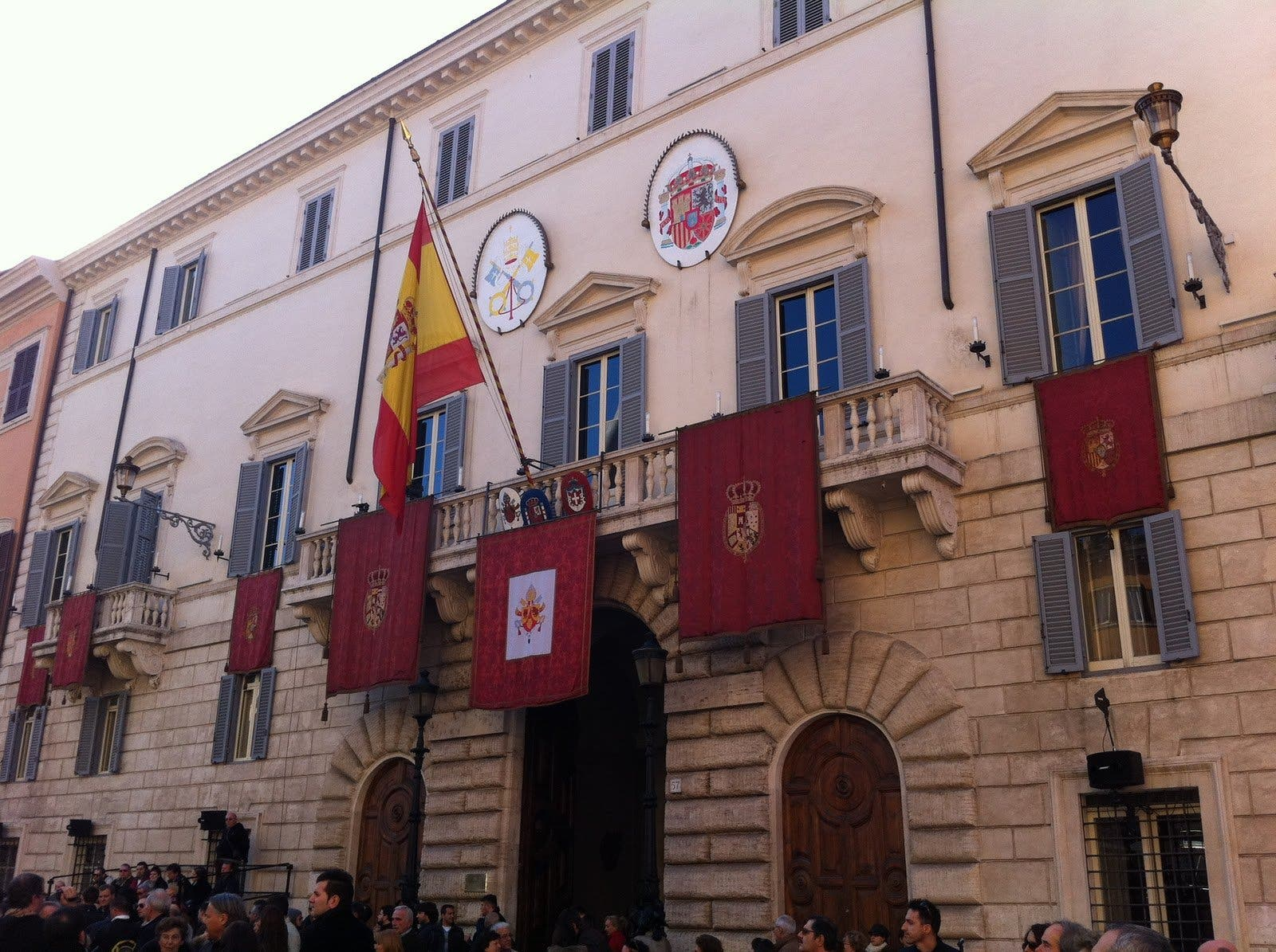 Cena púrpura en la embajada española ante la Santa Sede