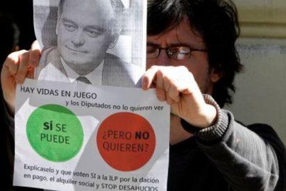 El Gobierno Rajoy ordena a la policía identificar a quienes acosen a los políticos en los escraches