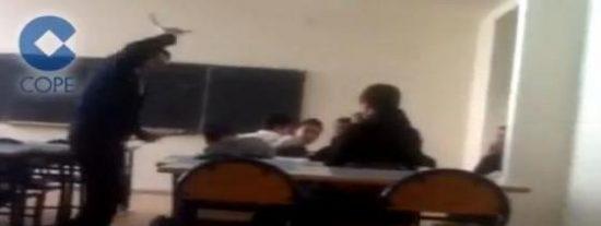 Un profesor le pega una brutal paliza a un alumno de 10 años en un colegio de Melilla