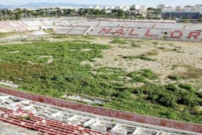 Los 'sin techo' y drogadictos le marcan a Isern otro gol en el ruinoso Lluís Sitjar