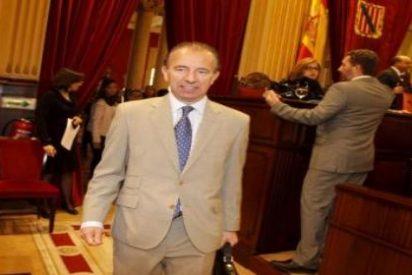 La Guardia Civil registra el Ayuntamiento de Calvià y se lleva los contratos de su radio