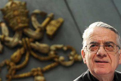 """Lombardi: """"El Papa no se sienta en su lugar preferente en la mesa"""""""