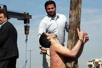 Arabia Saudí crucificará a un delincuente juvenil condenado a muerte