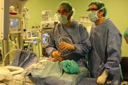 Devuelven la respiración a un bebé que nació con las fosas nasales cerradas