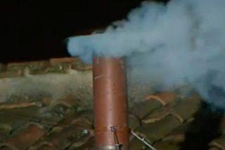 Las campanas de las iglesias y parroquias de Mallorca repican por la 'fumata blanca'