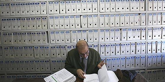 La reestructuración del sector público eliminará 2.395 empleos en Castilla-La Mancha