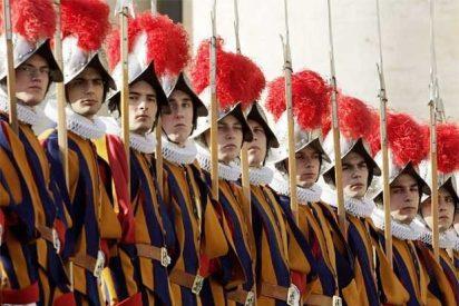 ¿Qué hace el ejército del Papa cuando no hay Papa?