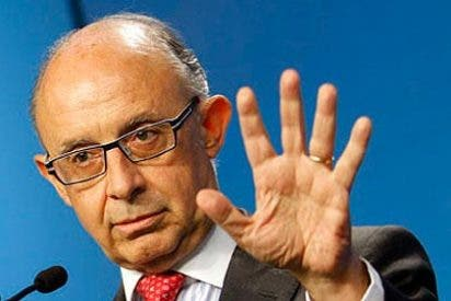 """Cristobal Montoro: """"En España no habrá impuestos sobre los depositantes"""""""