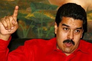 Maduro asume el poder mientras comienza el duelo por Chávez