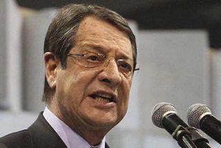 La UE y el FMI salvan a Chipre de la quiebra y mutilan su sector bancario