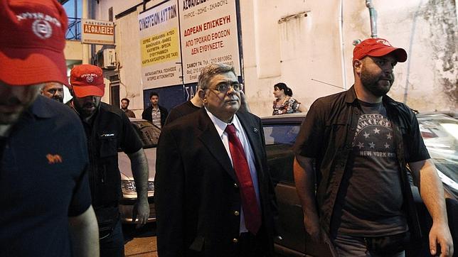 Neonazis griegos piden reinstaurar la pena de muerte para inmigrantes delincuentes