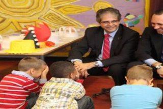 El PP vota a cara descubierta a favor del colegio que relega el español al recreo