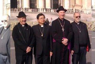 Se disfraza de obispo y se infiltra en el Vaticano