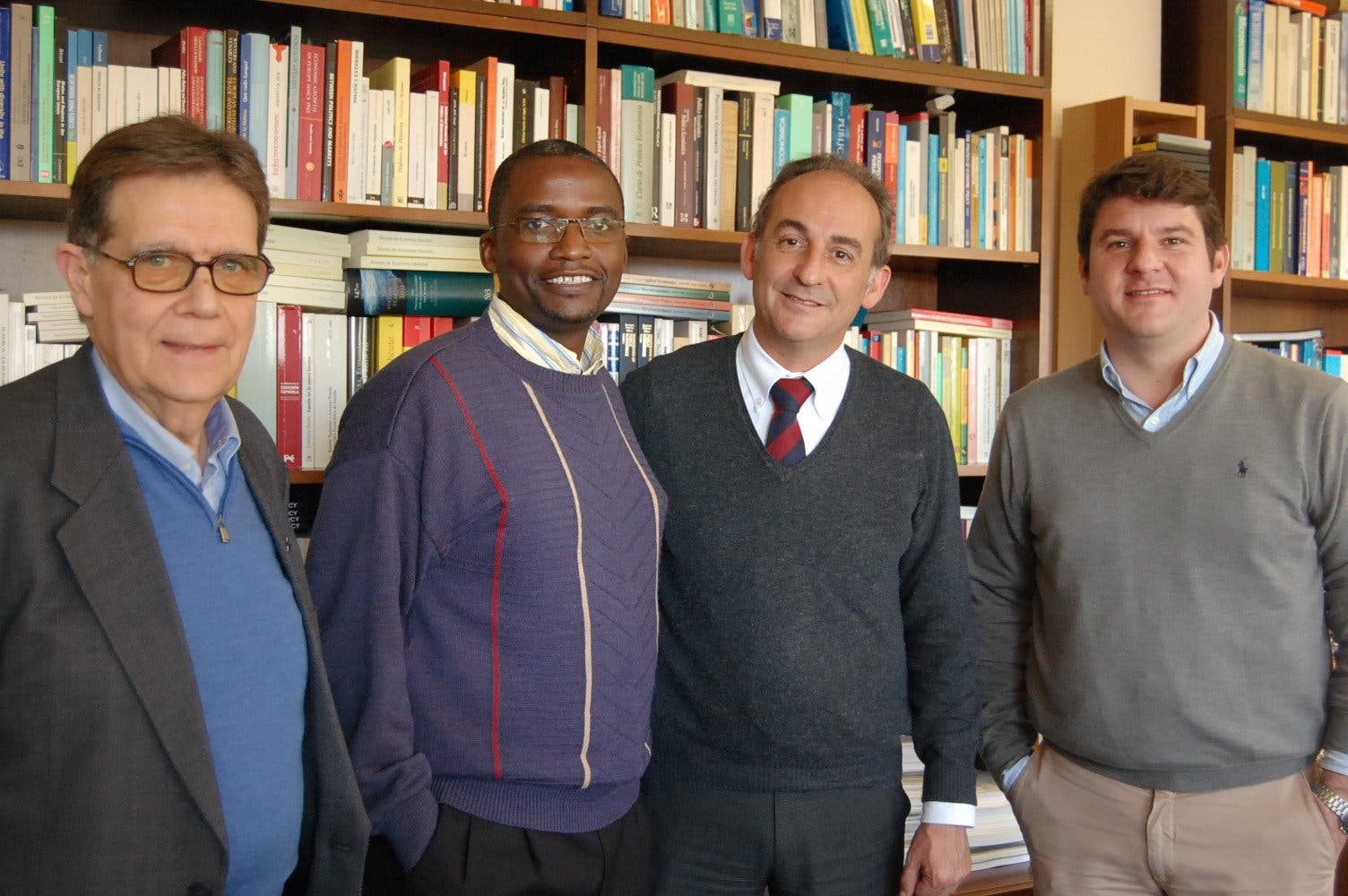 El jesuita keniata Omondi Opongo inaugura el 'International Affairs Seminar'
