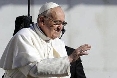 Animando al Papa Francisco