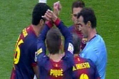Los árbitros piden sancionar a Piqué por su gesto de las esposas en el Real Madrid-Barça