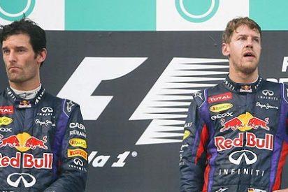 Mark Webber se cabrea y le hace una 'peineta' a Sebastian Vettel a 230 km/h