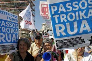 Un millón de portugueses toman las calles para protestar por los recortes y piden el fin de la austeridad