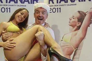 El calendario 'caliente' de azafatas de Ryanair, demandado por sexista
