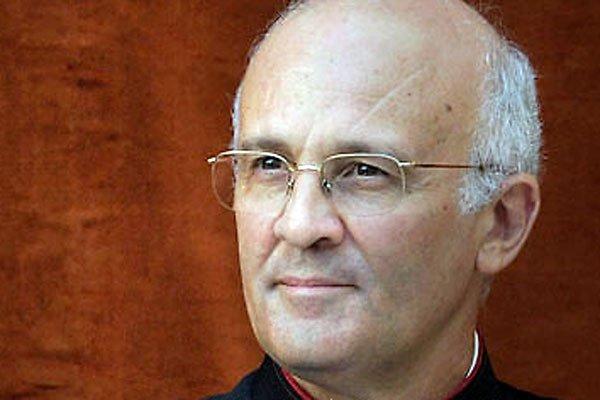 Un cura maltés, secretario del Papa