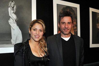 La exhuberante Shakira reaparece sin Piqué en la exposición de un amigo