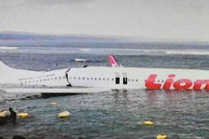 Un avión con 172 turistas cae al mar en Bali sin que se produzcan muertos