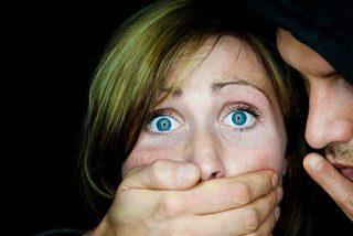 Desenmascaran a menores que difundían fotos pornográficas de compañeras de colegio por Whatsapp