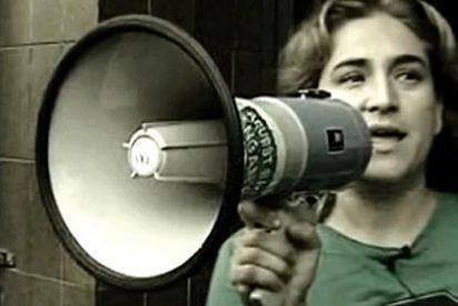 La escrachera Ada Colau carga en Twitter contra 'Informe Semanal'