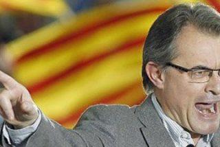 Los consejeros de Artur Mas le dejan solo viendo que CiU se desploma en las encuestas