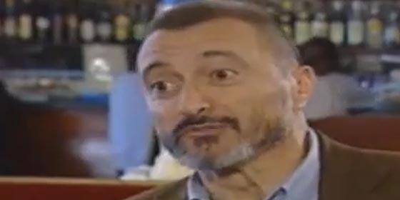 """Pérez-Reverte: """"Si Aznar era un arrogante y Zapatero un imbécil, Rajoy es un sinvergüenza"""""""