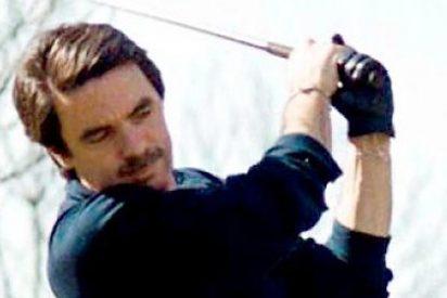 El expresidente Aznar paga las clases de golf que les dieron por la cara a él y su familia
