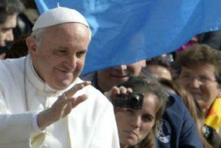 """Francisco insiste en que las mujeres """"tienen un rol primario, fundamental"""" a la hora de transmitir la fe"""