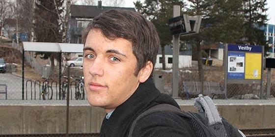 Dos adolescentes noruegos devuelven 62.000 euros encontrados en un tren