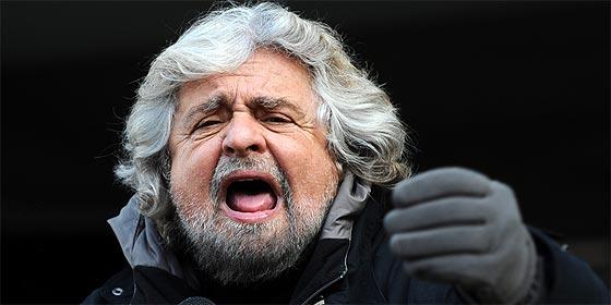 """Beppe Grillo, a un chico italiano: """"Mira más porno y pasa de Berlusconi"""""""